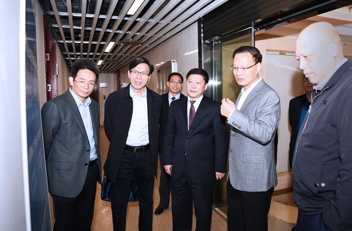 省政协副主席张兆民到中国海峡人才市场调研